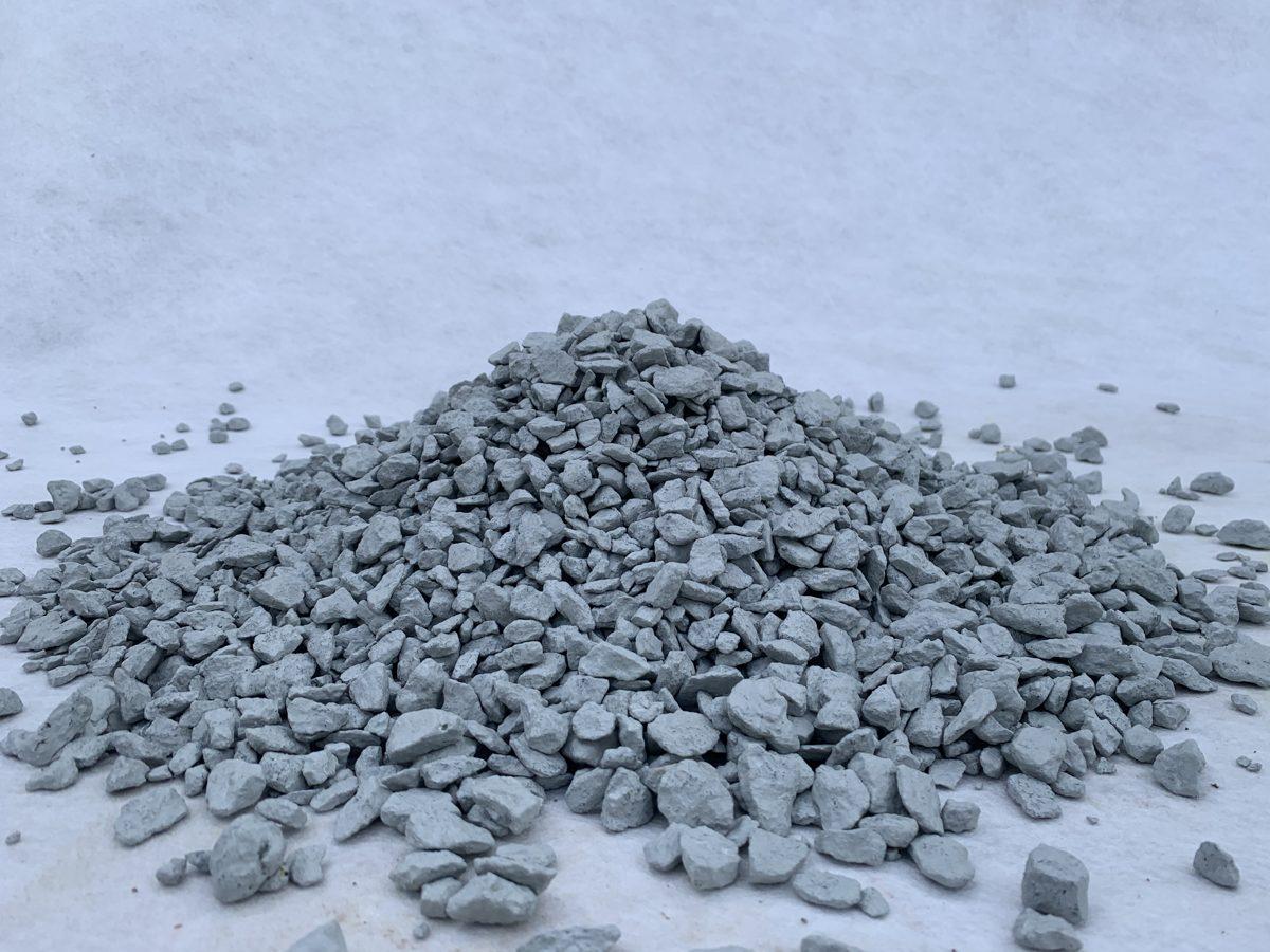 Белый крашеный щебень 10 кг